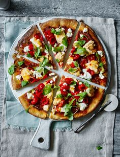 Houmous, pepper, goats' cheese and sweet chilli pizza - Sainsbury's Magazine