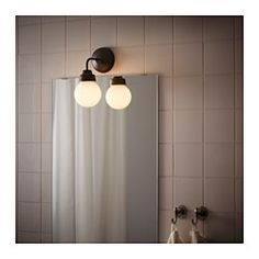 IKEA - VITEMÖLLA, Lámpara de pared, , Como emite una luz difuminada, es ideal para proporcionar iluminación general a un baño.Flexible. Se puede montar con haz de luz hacia abajo o arriba.