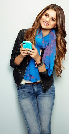 *texts Rowan* hey! Would you like to go to the beach later? I'm going to invite Ally, Ari, Indus, Karis, and Milli ~Selena