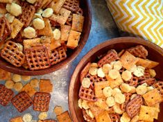 Enough with the Chex Mix! A homemade snack mix is a nice alternative to having bowls of pretzels, c Oyster Cracker Snack, Oyster Crackers, Chex Mix Recipes, Snack Recipes, Cooking Recipes, Yummy Recipes, Side Recipes, Yummy Snacks, Delicious Food