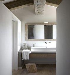 simple sink, mirror