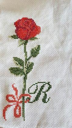 Rosa rossa Tea Towels, Amanda, Embroidery, Ideas, Cross Stitch Embroidery, Embroidery Stitches, Sew, Tattoo, Punto De Cruz