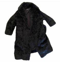 Carolyn Bessette Kennedy, Fur Coat, Jackets, Fashion, Down Jackets, Moda, Fashion Styles, Fashion Illustrations, Fur Coats