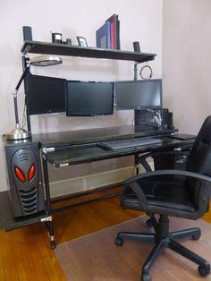 60 Magical DIY Computer Desk Gaming Design Ideas and Decor - artmyideas Gaming Room Setup, Desk Setup, Home Office Furniture, Furniture Plans, Diy Computer Desk, Pc Desk, Small Home Offices, Game Room Decor, Gamer Room