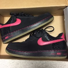 Nike Air Force 1 black and pink glow in the dark Great condition ! Glow in the dark Halloween edition Air Force ones Nike Shoes
