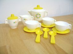 Vintage Fisher Price Tea Set, made from 1982 to 1985.  At the fabulous Etsy store toysofthepast.