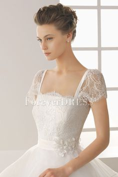 Short Sleeveless Square Neckline Empire Ball Gowns Crushed Wedding Dress with Chapel Train