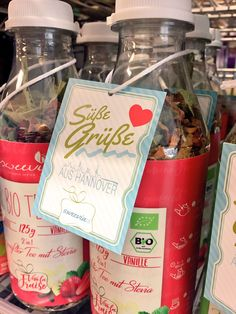 """""""Süße Grüße"""" gibt es ab sofort bei GALERIA Kaufhof 🍓💋 Entdeckt die zuckerfreien Bio Tees von sweevia! #zuckerfrei #stevia #biotee #sweevia #galeriakaufhof #hannover #2in1biotee"""