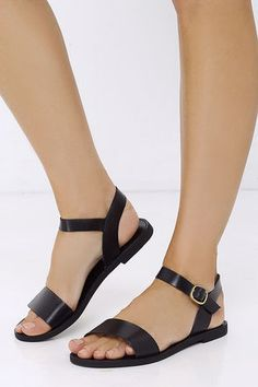 8e17a5c2ec4a Steve Madden Donddi Black Leather Flat Sandals at Lulus.com! Black Leather  Flats