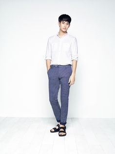 Kim Soo Hyun is hot and ready for summer in new ZIOZIA lookbook