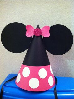 Minnie mouse party hat     www.facebook.com/imaginationcreations