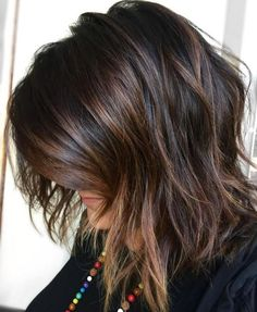 60 Chocolate Brown Hair Color Ideas for Brunettes Brown Balayage Bob with Side Bangs Chocolate Brown Hair Dye, Chocolate Color, Chocolate Highlights, Honey Chocolate, Medium Hair Styles, Short Hair Styles, Medium Length Hair Cuts With Layers, Hair Layers, Black Hair With Highlights