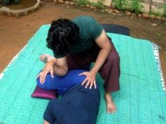 Thai Massage using the elbow on iliotibial band. Watch out this can be strong be within the limits of your clients sensitivity limits.  Learn more about Thai Massage hands free techniques and give your fingers a break  http://www.schoolofthaimassage.com/thai-massage-courses/anatomy-of-thai-yoga-massage-advanced  #ThaiMassageSchool #KansasCity #ThaiMassageCourses #ThaiMassageTechniques