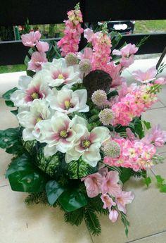 Funeral Flowers, Ikebana, Flower Decorations, Altar, Floral Arrangements, Floral Wreath, Wreaths, Garden, Bridal Bouquets