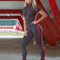 Short Sleeve Zipper Patchwork Tracksuit Women Sportwear Outfit Workout - HESHEONLINE Gym Tracksuit, Activewear Sets, Fashion Joggers, Sporty Fashion, Womens Workout Outfits, Stripes Fashion, Yoga Wear, Sports Women, Fit Women