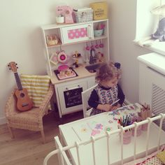 Bubblegarm - Esra's toddler room with ikea play kitchen hack Ikea Play Kitchen, Ikea Kitchen Design, Play Kitchens, Kitchen Art, Ikea Kids, Ikea Duktig, Childrens Kitchens, Toddler Rooms, Big Girl Rooms