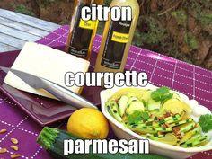 Salade de Courgettes au VINAIGRE à la PULPE de CITRON et HUILE d'OLIVE vierge au CITRON. Le croquant de la courgette avec la fraîcheur de la pulpe de citron...  #recette #citron #salade #courgette #huile