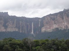 cascate lungo il Rio Carrao http://blog.zingarate.com/travelsalone
