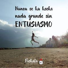 No dejes apagar el entusiasmo… Trabaja, aspira, sueña y apunta siempre hacia las alturas. Te deseamos un feliz fin de semana. #Inspiration #Frase
