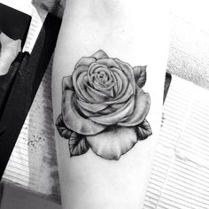 .@highvoltagetat | Beautiful black & grey rose tattoo applied by @saigonkicker