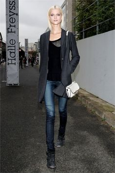 A very blonde Kasia Struss looking insanely gorgeous #offduty.