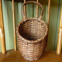 Onion Basket...free tutorial!..Lots of free basket weaving patterns and tutorials!!