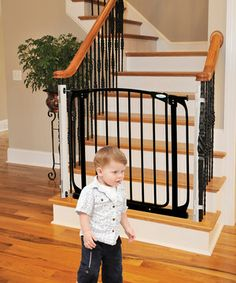 Summer Infant Stylish Deluxe Top Of Stairs Gate With Dual Banister
