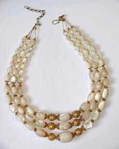 F Ethnic Jewelry, Jewelry Art, Gemstone Jewelry, Jewelry Design, Women Jewelry, Strand Necklace, Pearl Necklace, Wire Crafts, Ethnic Fashion