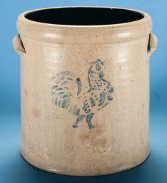 Bid on Lot Four Gallon Salt Glaze Stoneware Crock by E. Munson, Tennessee - Nice four gallon salt glaze stoneware crock with a cobalt blue sten. Antique Crocks, Old Crocks, Primitive Antiques, Red Wing Stoneware, Stoneware Crocks, Old Time Pottery, Antique Pottery, Rooster Stencil, Glazes For Pottery