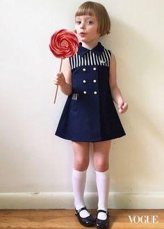 貝小七Harper出現勁敵?讓人眼冒愛心的爆紅小蘿莉Olive好療癒啊!|名人新聞Designer Little Girl Outfits, Kids Outfits, Cute Outfits, Baby Girl Skirts, Baby Dress, Looks Teen, Vestidos Retro, Kids Fashion, Young Fashion