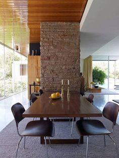 Architectural treasure: Kaufmann Desert House by Richard Neutra — Plant Light Book Richard Neutra, Desert House, Beach House, Palm Springs, Casa Kaufmann, Frank Lloyd Wright, Mcm House, Deco Design, Mid Century House