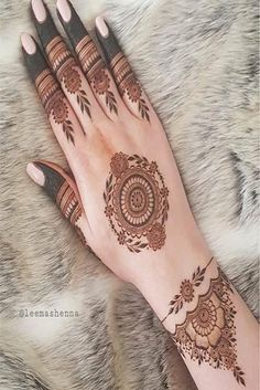 Top 150+ Simple Mehndi Designs