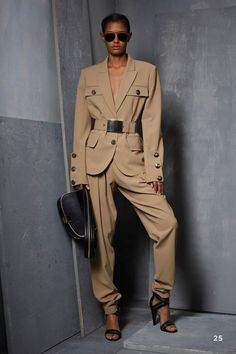 Michael Kors Collection Pre-Fall 2017 Collection Photos - Vogue