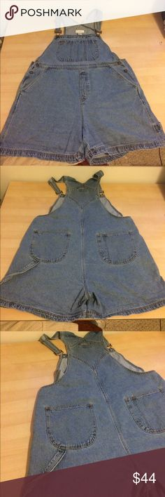 Retro Vintage 100% Cotton Overall Shorts size XL Denim overall shorts or shortalls, size XL. There are 5 functional pockets, adjustable shoulder straps and 2 button closures at the sides of the waist. The waist is about 20 inches across. The brand is Christopher Banks and the tag reads size XL. I'm usually a size 12/14 and these are too big for me.Open to offers Vintage Jeans Overalls