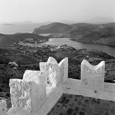 Patmos 1962 by Dimitris Harissiadis - Benaki Museum Shop Greece Pictures, Old Pictures, Old Photos, Greek Town, Benaki Museum, Greek Gifts, Greece Photography, Athens Greece, Greece Travel