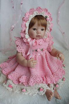 Modell Elisabeth i Hekleguri nr 2. Vil du hekle den også? Passer baby :)