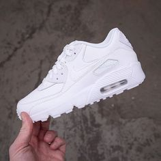 Nike Air Max 90 Leather GS - 833412-100 • Sneakers • Vita Air Max 90 airmax90,footish,Nike,Sneakers,sneakers,withlove,www.footish.se