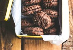 Make your own Romany Creams! This is a homemade recipe for a classic South African chocolate coconut cookie, sandwiched together with a chocolate filling Chocolate Coconut Cookies, Chocolate Filling, Chocolate Truffles, Chocolate Recipes, Biscuit Cake, Biscuit Cookies, Biscuit Recipe, Sandwich Cookies, Christmas Tree Cake