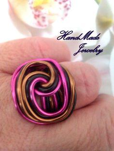 Aluminum WIre Ring por HmShop en Etsy, £3.00  www.facebook.com/Handmade.HechoaMano