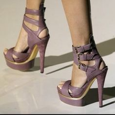 LOVE LOVE LOVE  Gucci shoes