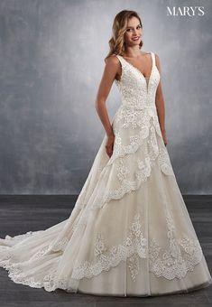 Classically beautiful A-line tiered wedding dress with a V-shaped neckline 03b9a688032f