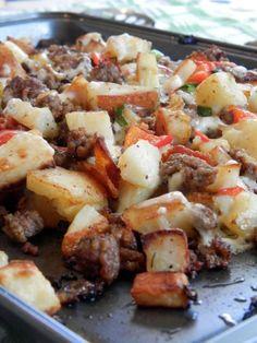 Je suis une grande fan du touski. Riz au touski, soupe au touski, salade au touski ... : P mais j'avoue que là, cette recette de boeuf haché... Wan Tan, Confort Food, Sheet Pan, Baguette, Risotto, Potato Salad, Yummy Food, Yummy Recipes, Food And Drink