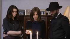 Trailers, clips, images and poster for the drama DISOBEDIENCE starring Rachel Weisz and Rachel McAdams. Streaming Vf, Streaming Movies, Hd Movies, Movies Online, Rachel Mcadams, Sa Pa, Christina Aguilera, Christina Hendricks, Amy