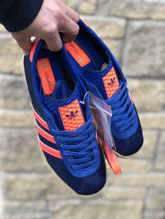 Adidas Dublin 1/500 Best Sneakers, Adidas Sneakers, Shoes Sneakers, Adidas Classic Shoes, African Fashion, Men's Fashion, Football Casuals, Shoe Company, Rubber Shoes