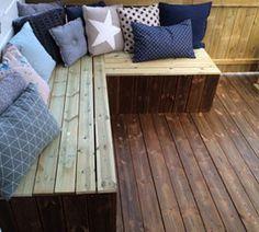 DIY: Sitting bench on the porch Garden Storage Bench, Sitting Bench, Garden Seating, Outdoor Furniture, Outdoor Decor, Diy Home Decor, Living Room, Interior, Table