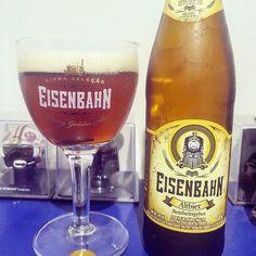 Quinta pede uma cerveja gostosa e gelada o @rodrigofxbar escolheu uma Eisenbahn Altibier! E você vai beber o que hoje? #bebidaliberada #eisenbahn #cerveja #cervejaartesanal
