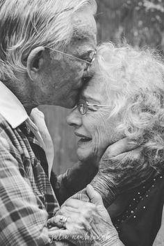 'Love Birds' by JuliePaurus Couples Âgés, Older Couples, Cute Couples Goals, Couples In Love, Older Couple Poses, Old Couple In Love, Old Love, Old People Love, Growing Old Together