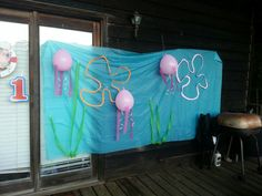 Easy spongebob party cheap DIY decoration jellyfish clouds kelp