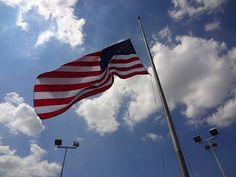 do flags fly at half mast on memorial day