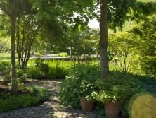 Bildergebnis für mit hecken sichtschutz landhausgarten räume